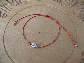 Náramky - jednoduchý šnúrkový náramok Love - 10313548_