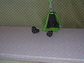 Úžitkový textil - Obláčikový podsedák do detskej izby - 10316972_
