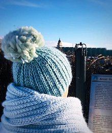 Čiapky - Zimná čiapka vlnená s extra brmbolcom. - 10318472_