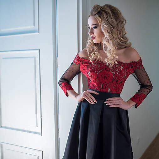 Spoločenské šaty so skladanou sukňou rôzne farby