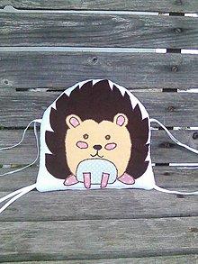 Textil - vankúšik ježko do mantinelu lesné zvieratká - 10318526_