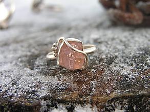 Prstene - Strieborny prsteň Ag925 Morganit - 10316436_