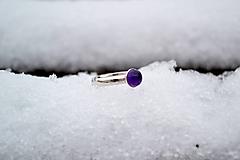 Prstene - Ametyst strieborný prsteň rhodiovaný - 10316918_