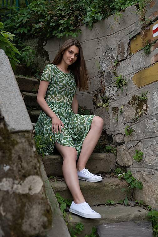 Sieťkové šaty Green Collection  ( pôvodná cena 59 € )