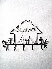 Nábytok - Vešiak - rodinka - 10318306_