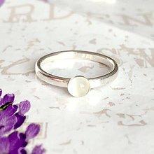 Prstene - Simple White MoonstoneAG925 Ring / Jemný strieborný prsteň s bielym mesačným kameňom /1452 - 10323830_