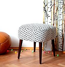 Nábytok - Čalouněný taburet Stracciatella - 10322009_