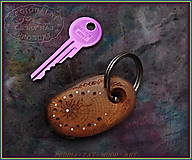 Kľúčenky - 51. DŘEVĚNÁ KLÍČENKA - Slivoňka kořen - 10324032_