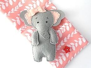 Hračky - Drobnosti v kapsičke pre dievčatá (Sloníča) - 10325525_