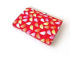 Peňaženky - Peňaženka s priehradkami Vtáčiky na červenej - 10326531_