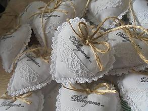 Darčeky pre svadobčanov - Svadobné srdiečka ako darček (Biela) - 10326768_