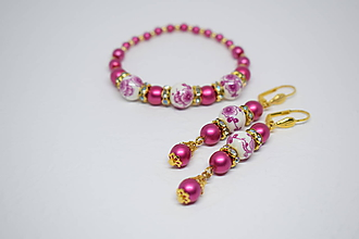 Sady šperkov - Korálkový náramok + náušnice, set, Cyklaménová/Biela/Zlatá - 10331361_