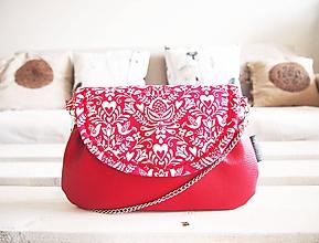 Kabelky - Červeno-biela folk kabelka s retiazkou - 10328541_