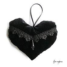Dekorácie - Gotické čierne sametové srdce - dekorácia - 10329463_