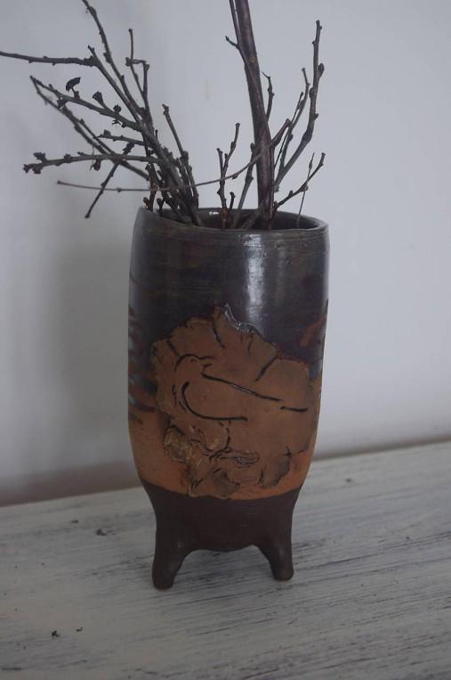 Váza s havranom