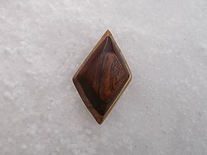 Odznaky/Brošne - odznak-z orechu a mahagonu - 10328363_