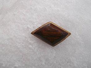 Odznaky/Brošne - odznak-z orechu a mahagonu - 10328364_