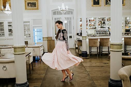 Plisované šaty Slavianka