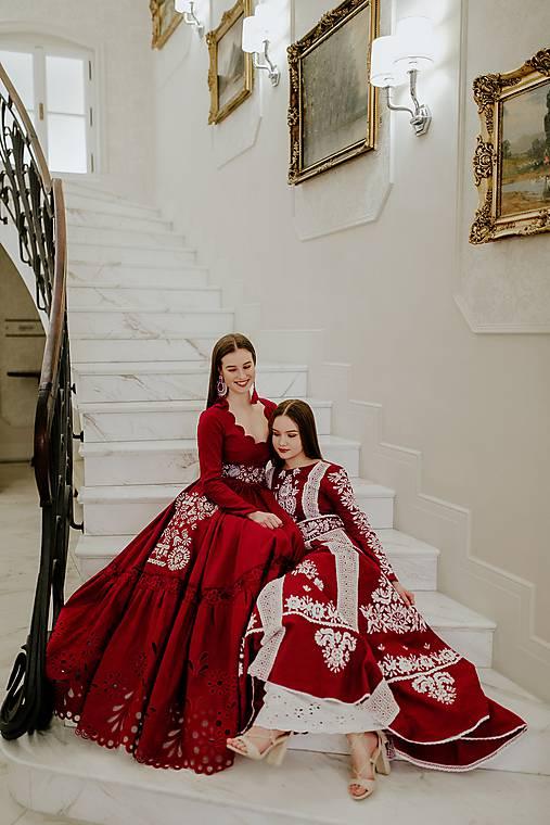 Fuchsiove šaty Slavianka