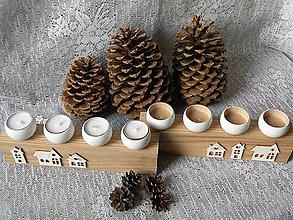 Svietidlá a sviečky - Originální dřevěný svícen s domky - 10331325_