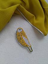 Žltý vtáčik (brošňa)