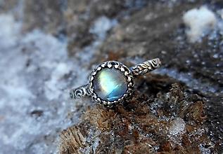 Prstene - Strieborný Prsteň s Mesačným Kameňom - 10333104_