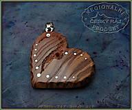 Náhrdelníky - 560. Dřevěný náhrdelník SRDÍČKO  JASAN - 10335548_