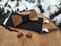Doplnky - Pánsky drevený motýlik, manžetové gombíky a traky - 10334507_