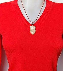 Náhrdelníky - Drevený náhrdelník - Dvojsrdce 1 - 10334621_