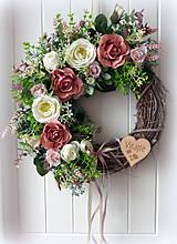 Dekorácie - Celoročný veniec s ružami - 10337194_
