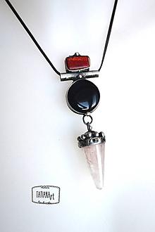 Náhrdelníky - cínovaný prívesok s ruženínom a čiernym achátom - 10336087_