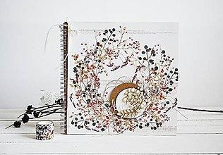 Papiernictvo - Veľký album - Veniec z lesných plodov 30x30 - 10337835_