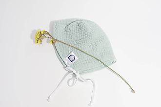 Detské čiapky - Čepček jemne zelený z gázoviny - 10335560_