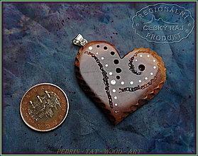 Náhrdelníky - 561. Dřevěný náhrdelník SRDÍČKO  SLIVOŇKA - 10335556_