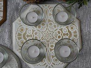 Svietidlá a sviečky - Originální svícen s reliéfní mandalou, zlato1 - 10338799_