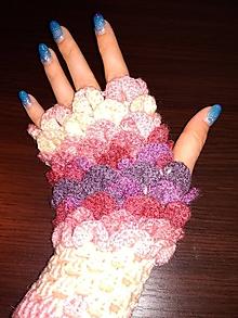 Rukavice - Háčkované bezprstové rukavice fialovo-ružovo-biele - 10338636_