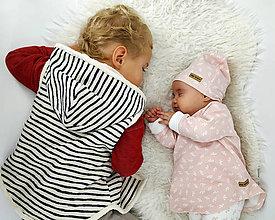Detské oblečenie - Vyteplená pásikavá vestička - 10338936_