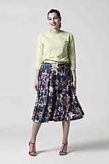 Sukne - Sukňa kruhová modrá s kvetinovým vzorom - 10341648_