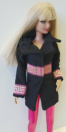 f431c312f0e0 Hračky - Čierny kabátik s ružovým pre Barbie - 10342918