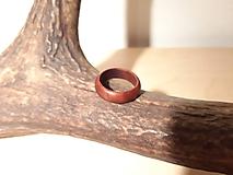 Prstene - Drevený prsteň, slivka - 10342776_