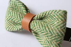 Doplnky - Vlnený motýlik s koženým remienkom- Green Fields - 10343294_