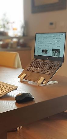 Iné doplnky - Minimalistický stojan na notebook - 10341293_