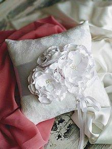 Prstene - Vankúšik pod prstienky- biela neha - 10345081_