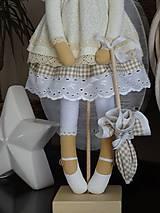 Bábiky - Béžová na podstavci - 10345189_