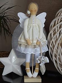 Bábiky - Béžová na podstavci - 10345190_