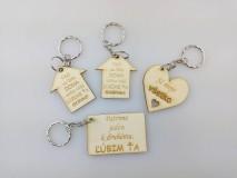 Kľúčenky - Drevená kľúčenka - 10347401_