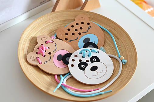 Drevený medvedík - prevliekacia hračka