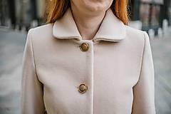 Kabáty - Vlnený kabát princess strihu SEVERANKA-krémový - 10347980_