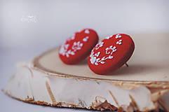 Náušnice - Biela výšivka v červenom objatí - veľké - 10347175_