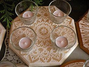 Dekorácie - Originální svícen s reliéfní mandalou, zlato2 - 10346157_
